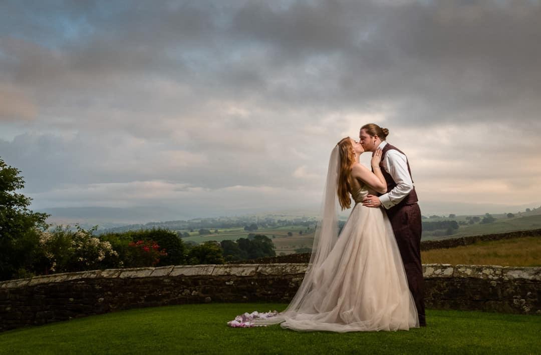 Halifax Wedding photographer | Leeds Wedding photographer